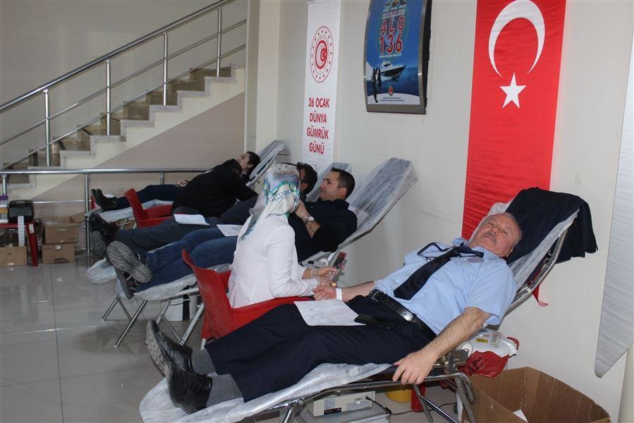 Dünya Gümrük Günü kapsamında bölge müdürlüğümüzce Kızılay'a kan bağışında bulunuldu.